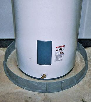 An old water heater in Leesburg, FL with flood protection installed